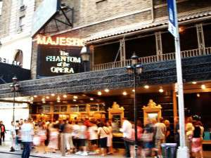 v_majestic_theater
