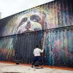 L'artista urbà Txemy pinta un gran mural a la sala Hiroshima (25 de setembre)