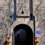 Els diumenges al matí obrim el portal de Santa Madrona de l'Avinguda Paral·lel , els dos espais estaran custodiats per l'Associació de Recreació Històrica de la Coronela de Barcelona.