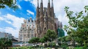 Barcelona-La-sagrada-familia-777x437