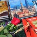 Per Sant Jordi, roses i llibres a tota la ciutat!