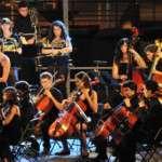 L'agenda de concerts i actuacions de l'Orquestra Simfònica del Vallès no s'atura durant els mesos d'estiu i té ja tancades 3 cites entre juliol i agost, abans d'engegar motors amb la nova temporada 16-17 el setembre al Palau de la Música Catalana: