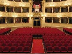 estel-iberica-mobiliario-teatro-butacas