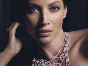 Christy-Turlington-for-Louis-Vuitton-e1425424418467