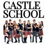 El diumenges 18 i 25 de novembre, a les 11.30h, es podrà veure a l'escenari del Teatre Victòria,  'CASTLE SCHOOL'